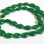Curdndum_dyed_green_by_ariyan_gems